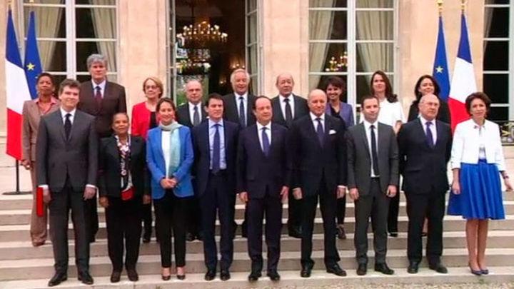 Francia anuncia recortes a funcionarios, pensionistas y prestaciones