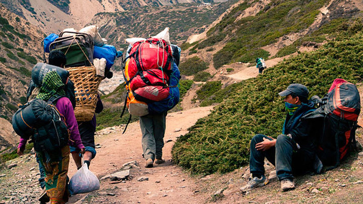 Los sherpas, imprescindibles en el Everest