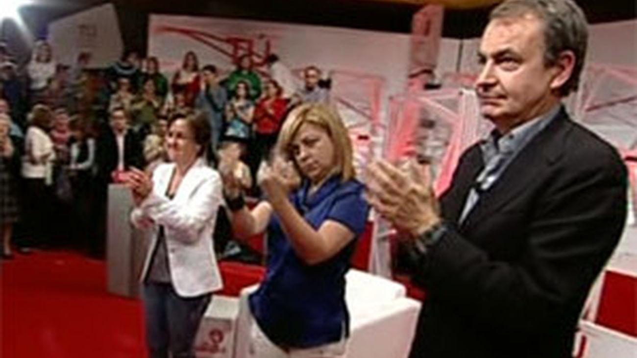 """Zapatero llama a los socialistas a construir """"el momento social de Europa"""""""