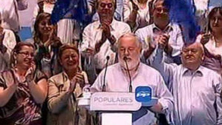 Cañete dice que Zapatero entregó España a Europa por un plato de lentejas