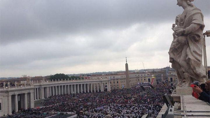 El Papa proclama santos a Juan XXIII y Juan Pablo II