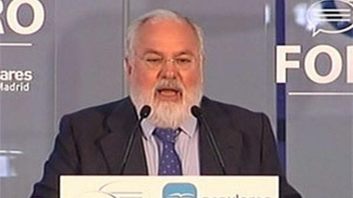 Cañete advierte al PSOE de que debería haber empezado  la campaña pidiendo perdón