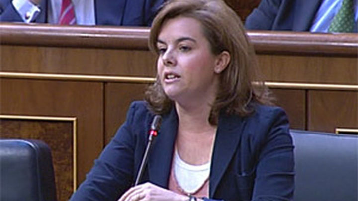 Santamaría niega haber cobrado sobresueldos como le acusa el PSOE