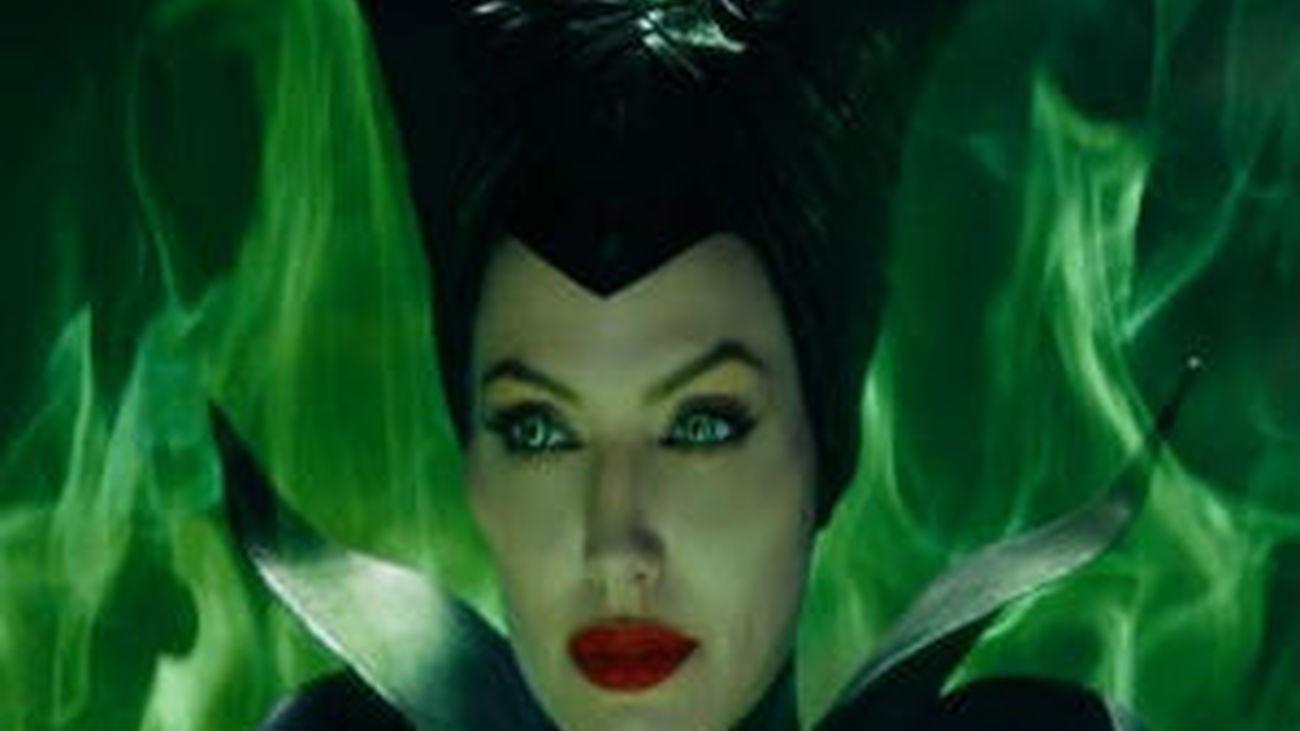 Angelina Jolie se convierte en 'Maléfica'