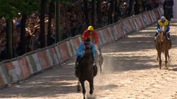 El hipódromo se acercó a millares de madrileños en La Castellana