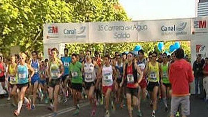 Más de 4.300 corredores participan en la Carrera del Agua