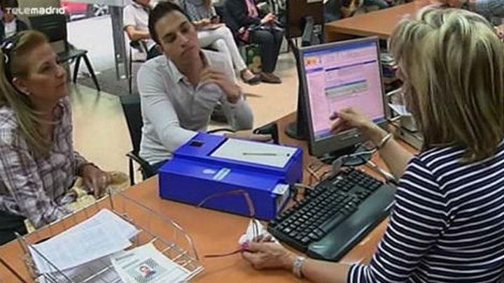 La Policía aconseja anticiparse a la caducidad de pasaportes y DNI antes del verano