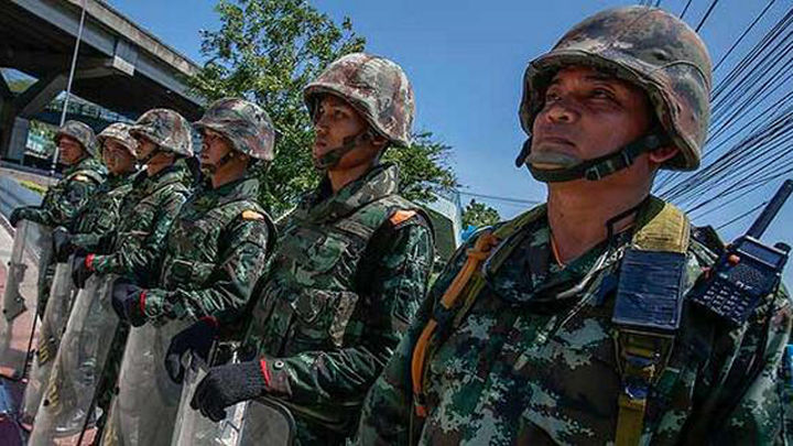 Los militares tailandeses liberan a ex primera ministra Shinawatra