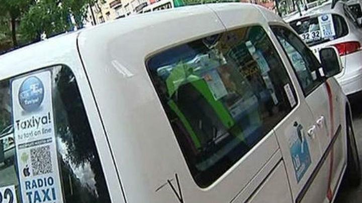 """FAMMA denuncia """"boicot"""" de las patronales del taxi a una 'app' para adaptados"""
