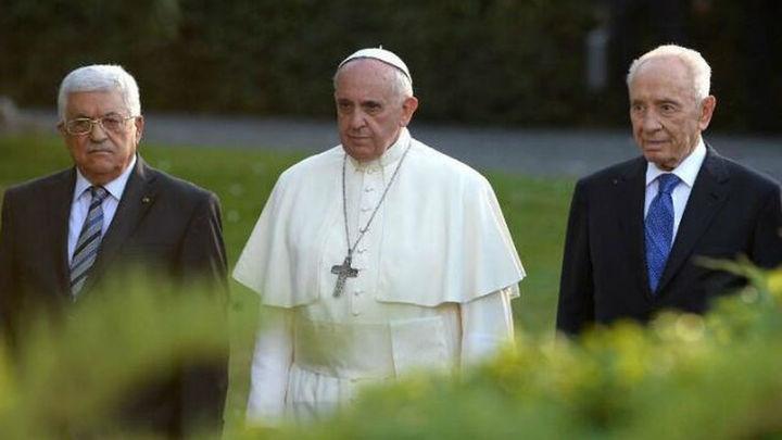 El Papa, Abás y Peres rezan por la paz en el Vaticano