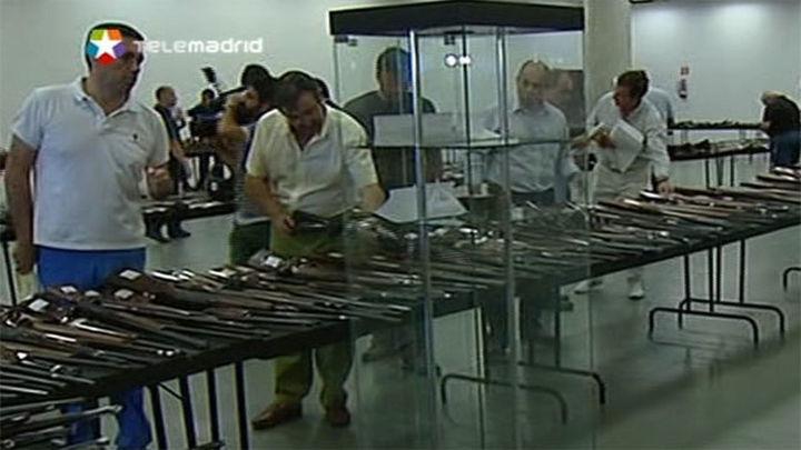 La Guardia Civil subasta en IFEMA hasta el viernes más de 2.500 armas