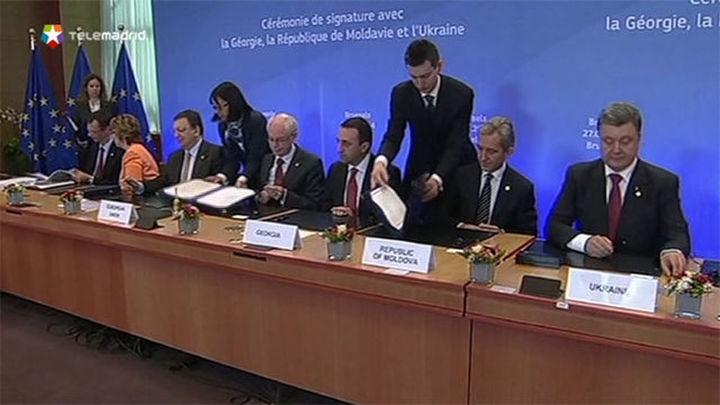 La UE culmina la firma de acuerdos de asociación con Ucrania, Georgia y Moldavia