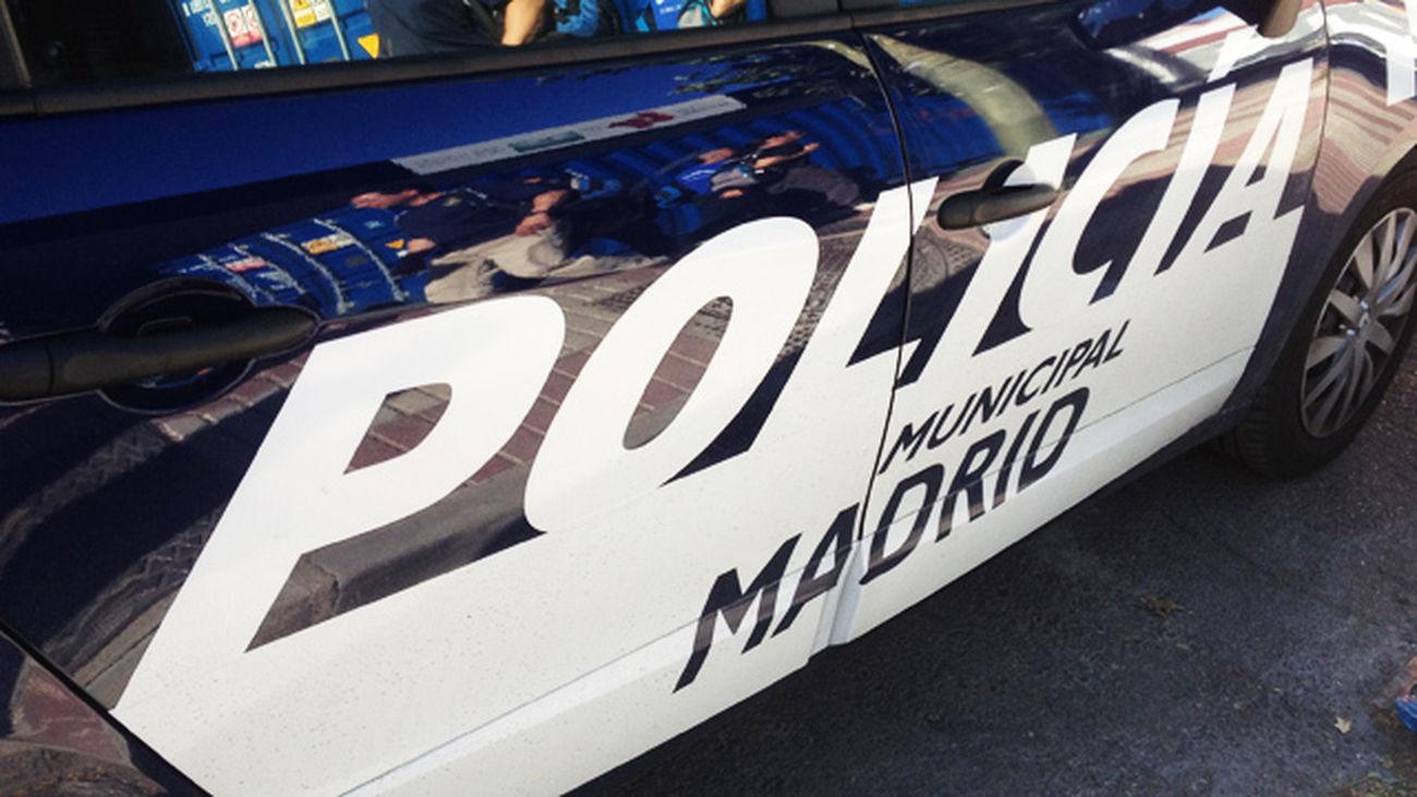 Varios agentes heridos al detener a tres ladrones que intentaban robar en una tienda de lujo en Serrano