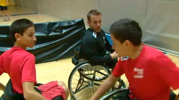 I Estucamp: campus bilingüe de baloncesto en silla de ruedas
