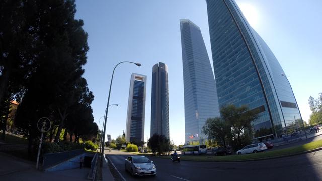 Las grandes empresas facturan en Madrid más del doble que en ...