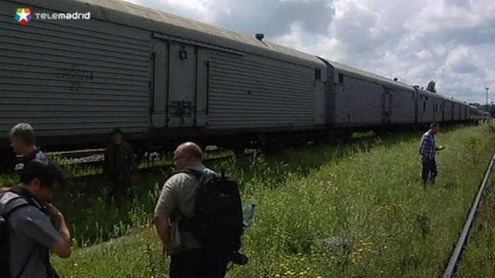 El tren refrigerado con los cuerpos de las víctimas del avión llega a Járkov