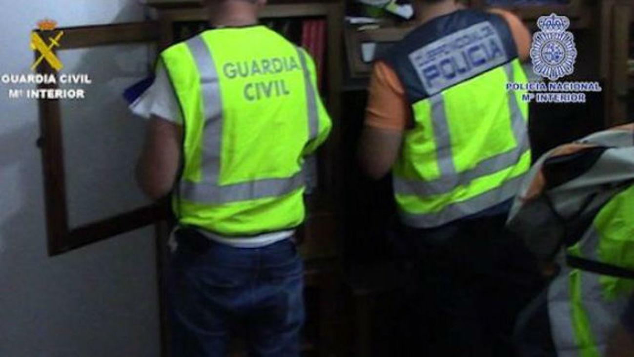 Diecisiete detenidos con dos toneladas de hachís