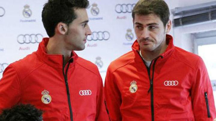 Guerra en las redes sociales entre Arbeloa y Casillas