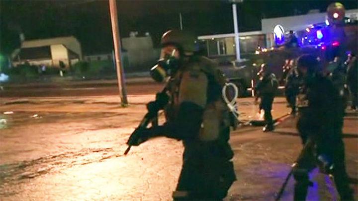 Un herido y 7 detenidos en nuevos disturbios en Ferguson