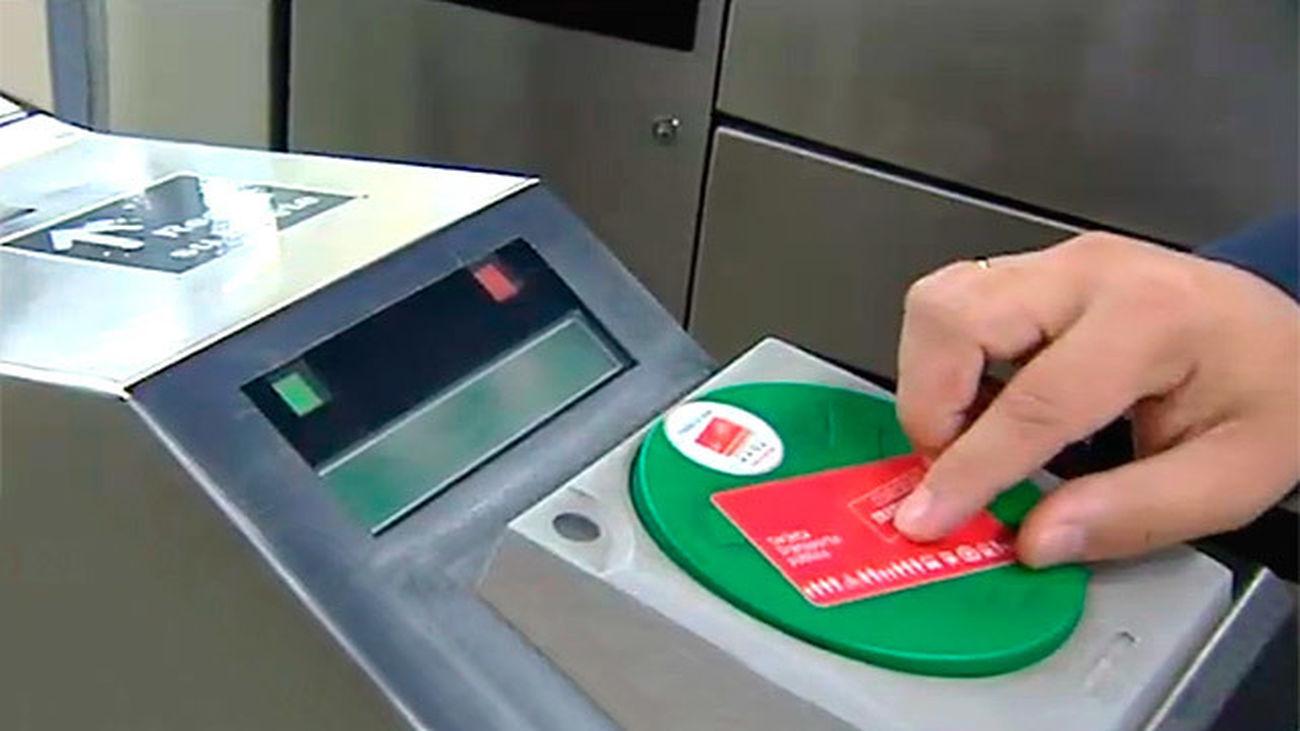 El Metrobús sencillo y el de diez viajes pasará a ser tarjeta sin contacto en 2015