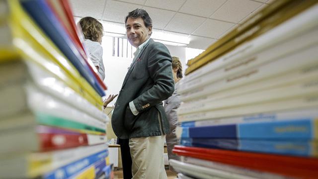 La Comunidad destinará 6 millones, un 20% más, al préstamo de libros de texto