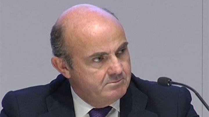 """De Guindos reconoce que el """"parón"""" de la zona euro sitúa a Europa en la """"encrucijada"""""""