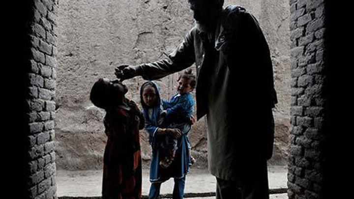 Detectan 13 nuevos casos de polio en Pakistán