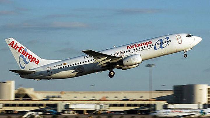 El choque de un ave contra un avión de Air Europa impide su despegue