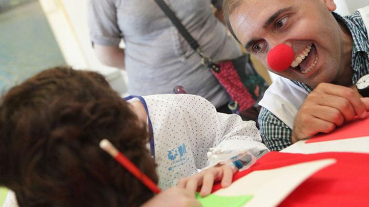 Niños ingresados en el Marañón diseñan un maillot de la Vuelta Ciclista a España