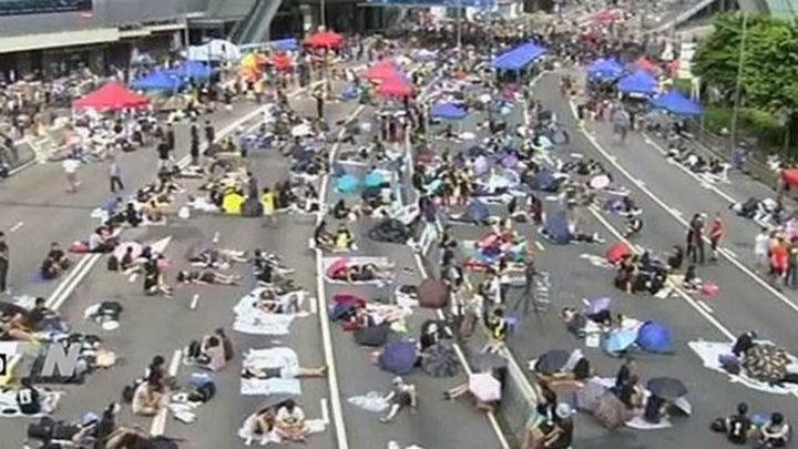 Decae el ánimo de las protestas en Hong Kong a la espera del diálogo