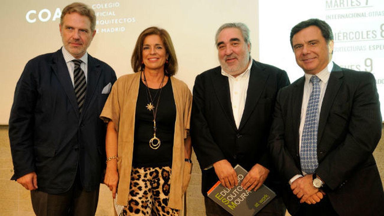 Botella aplaude la colaboración público-privada para construir ciudad