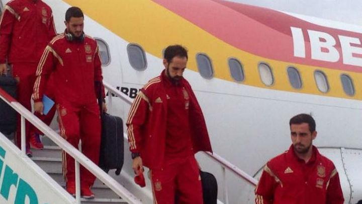 La selección española ya descansa en Teplice tras un largo viaje
