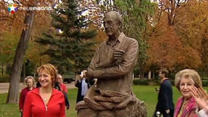 Mingote ya tiene su estatua en El Retiro