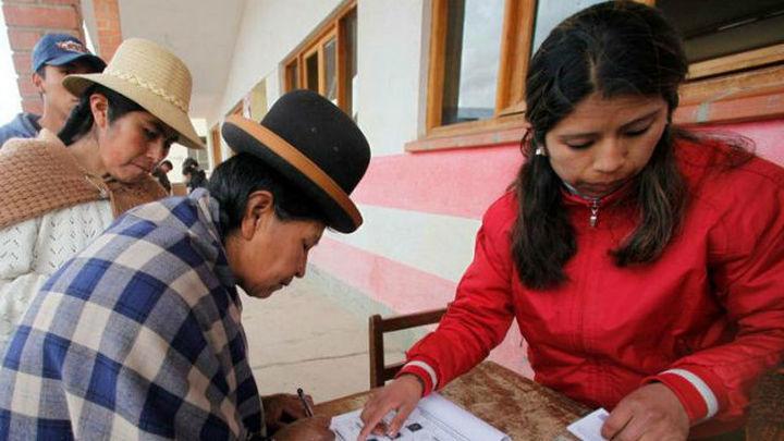 Evo Morales llama a los bolivianos a sufragar y destaca el masivo voto emigrante