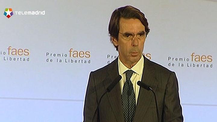 """Aznar: """"La política del órdago soberanista desharía el acuerdo democrático"""""""