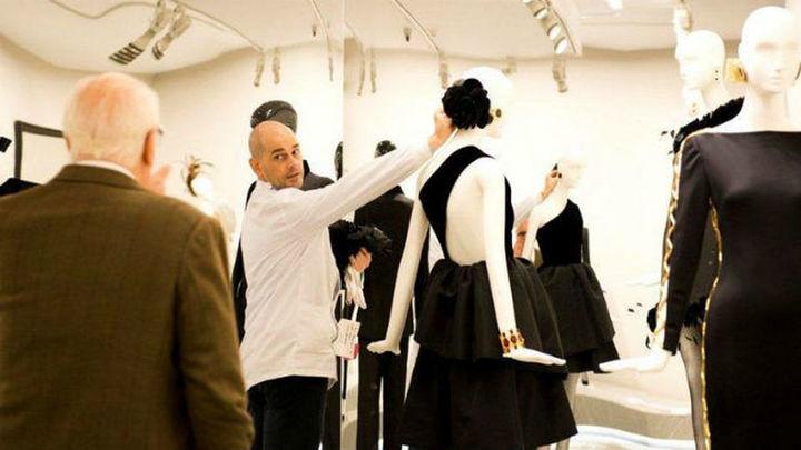 El Thyssen recibe la primera gran retrospectiva del diseñador Givenchy