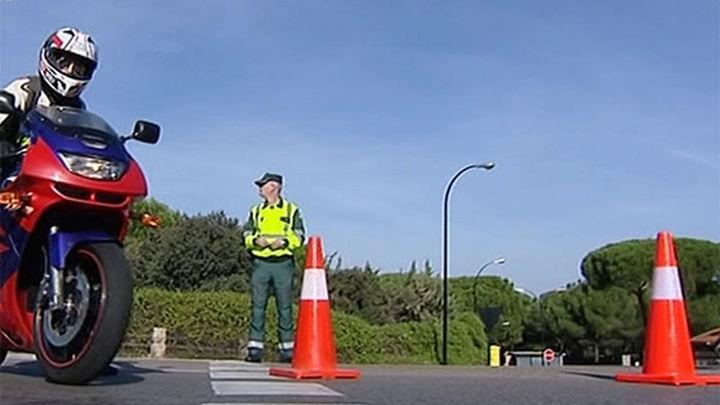 Tráfico ha denunciado a 634 motoristas y a 56 ciclistas,  en dos fines de semana