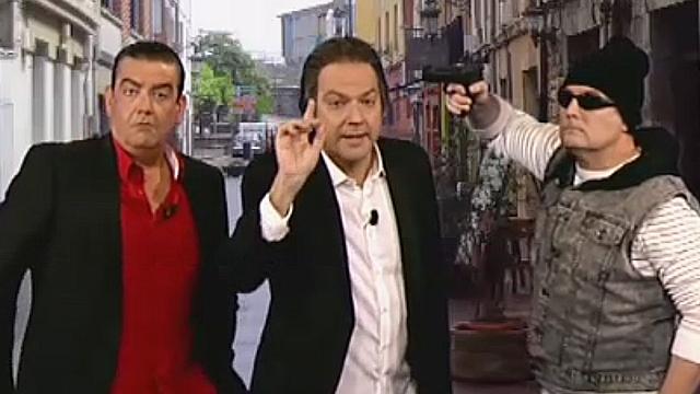 Pedrerol y su colaborador Juan Dato han sufrido un percance en plena calle