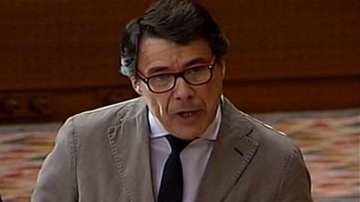 González anuncia la concesión de distinciones sanitarias a Teresa y sus cuidadores
