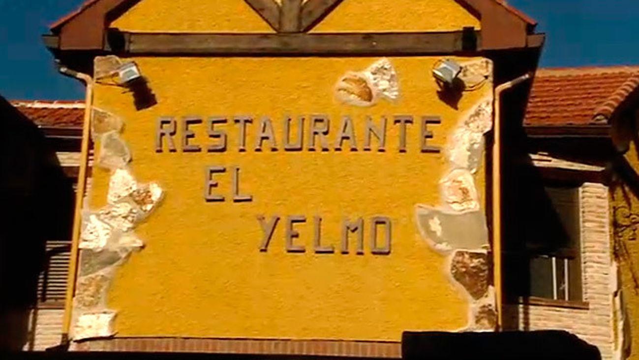 Manzanares El Real: El Yelmo, restaurante y hotel en La Pedriza