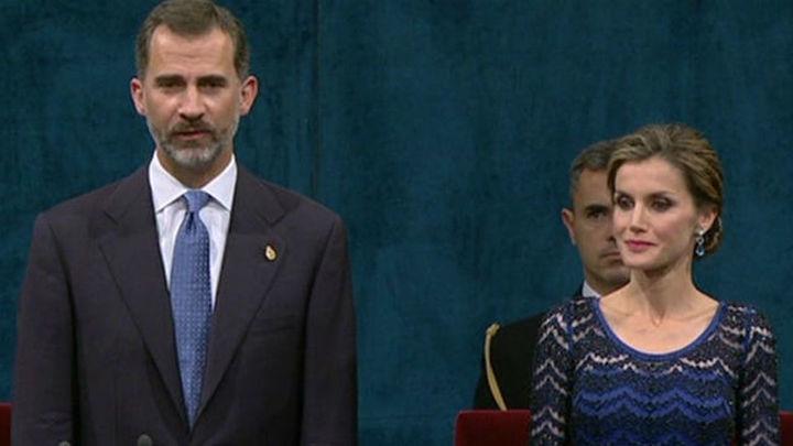 """El Rey dice que los españoles ya no son rivales """"los unos de los otros"""""""