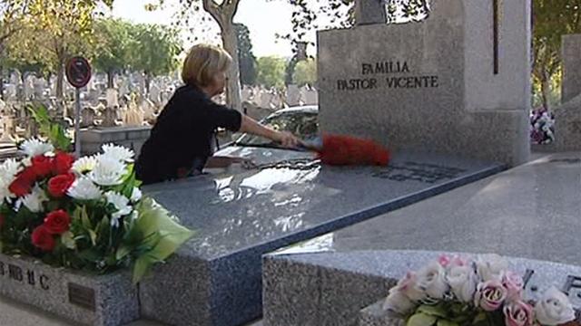 Comienzan a adornar los cementerios