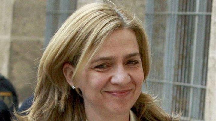"""La Infanta se limitó a firmar """"sin pedir explicaciones"""" según sus abogados"""