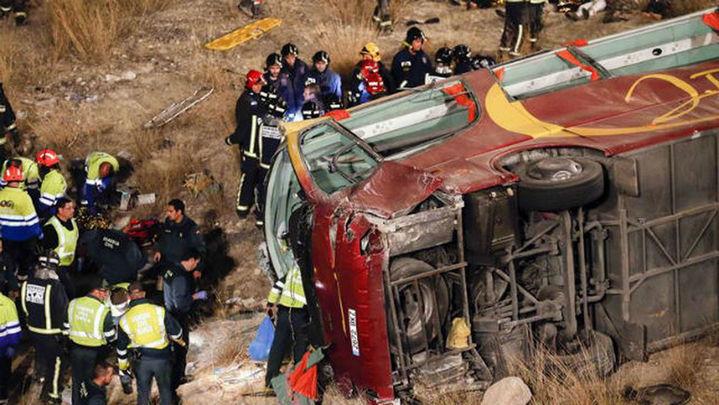 El número de heridos del accidente de Cieza ingresados  en la UCI baja a cuatro