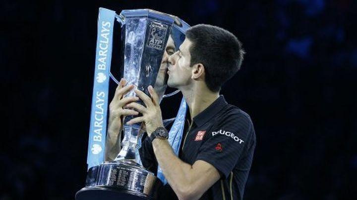 Djokovic, campeón del Master sin jugar por lesión de Federer