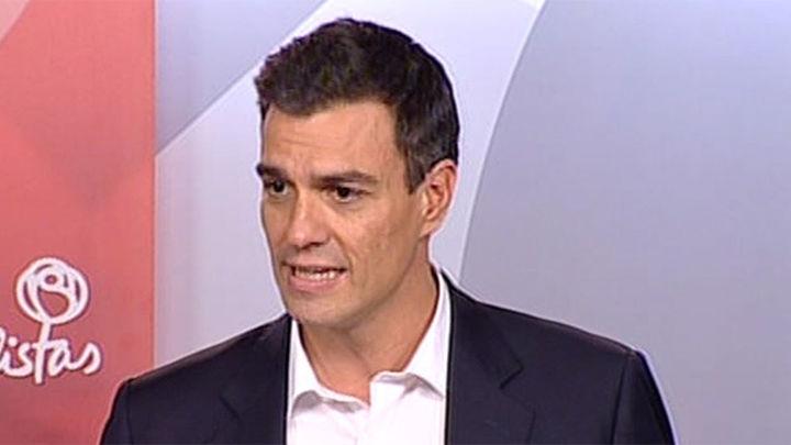 Sánchez dice ahora que no derogará, sino completará, el artículo del déficit cero