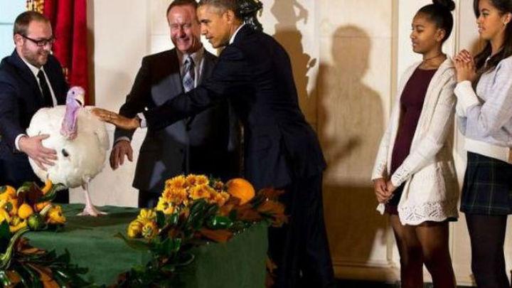 Los Obama celebran 'en familia' el Día de Acción de Gracias con el tradicional pavo