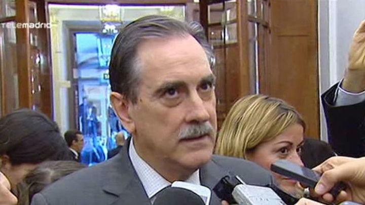El ex ministro socialista Valeriano Gómez deja su escaño en el Congreso