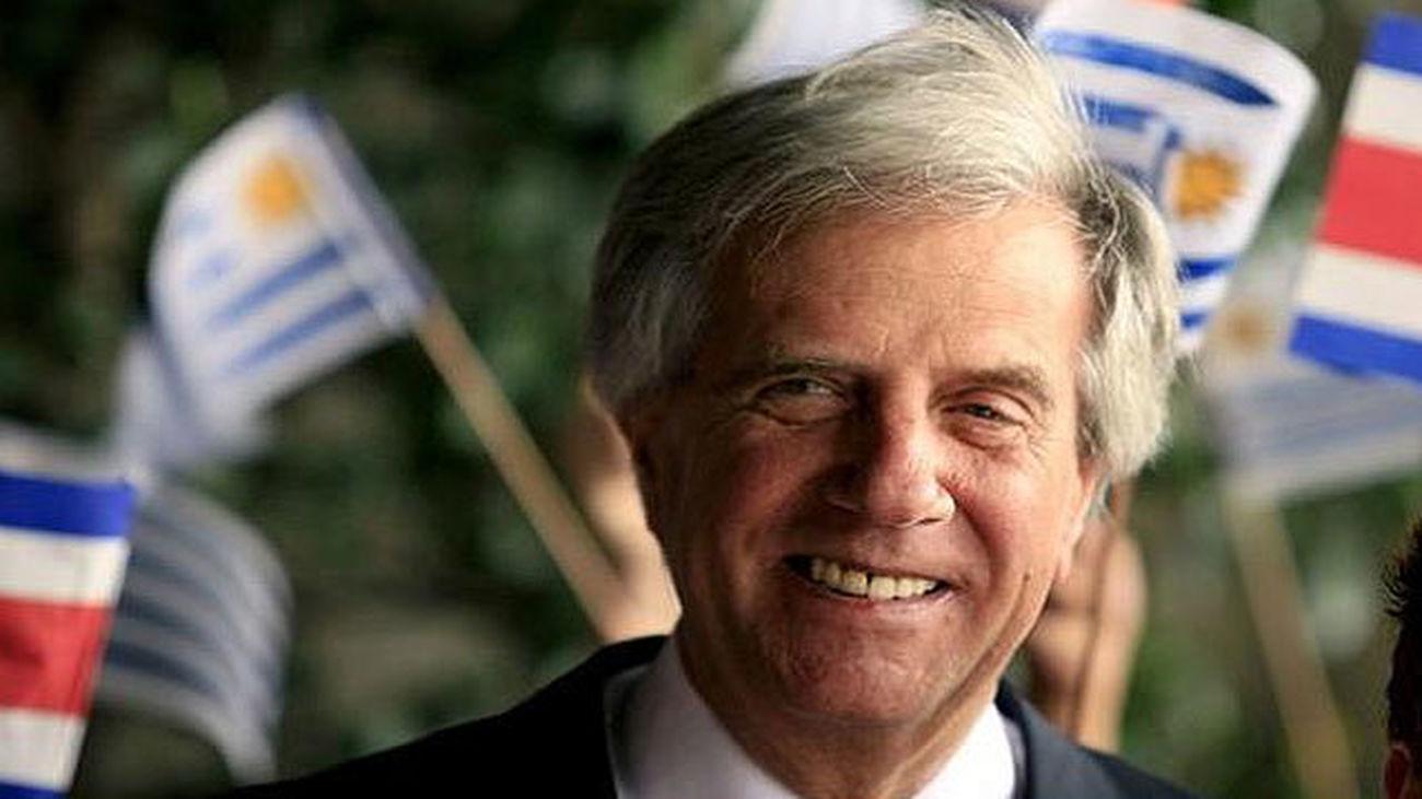 Tabaré Vázquez gana la presidencia de Uruguay con casi 300.000 votos de diferencia