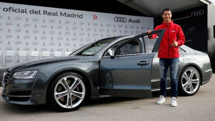 La plantilla del Real Madrid recibe sus Audi